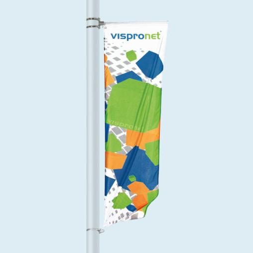 Bannière de rue Basic, en haut avec potence, en bas avec fixation à oeillet